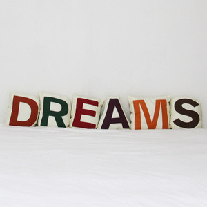 DREAMS cushion set